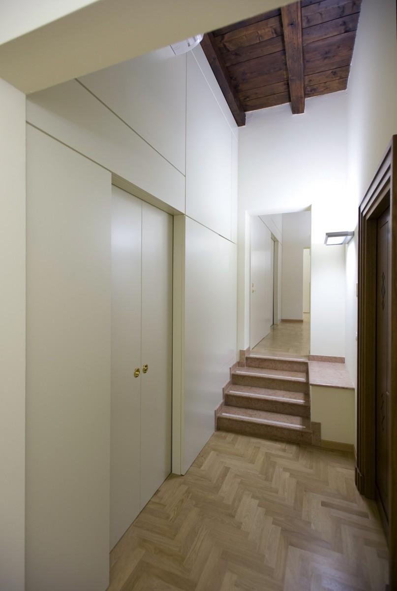 Bim banca intermobiliare arredo 3 srl for Arredo srl