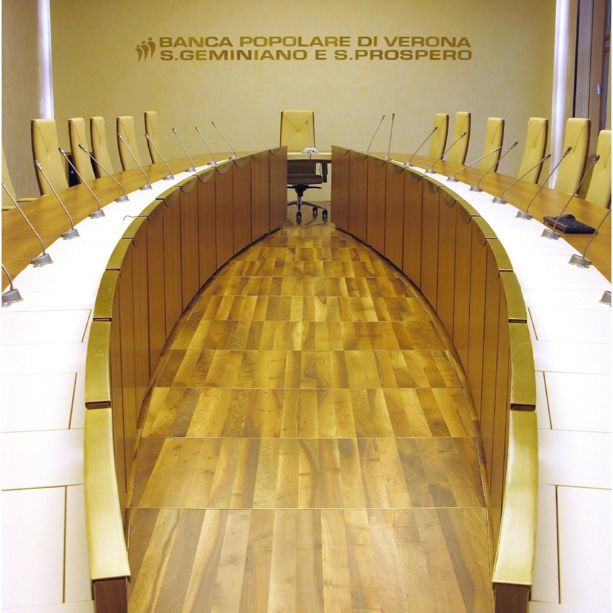Banco bpm sala consiglio sede di verona arredo 3 srl for Arredo 3 srl legnago